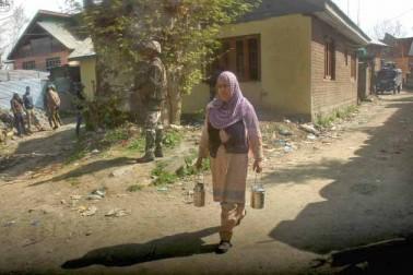 اگرچہ شہری ہلاکتوں سے پیدا شدہ صورتحال کے پیش نظر الیکشن کمیشن آف انڈیا نے گذشتہ روز جنوبی کشمیر کے چار حساس اضلاع اننت ناگ، پلوامہ، کولگام اور شوپیان پر مشتمل اننت ناگ پارلیمانی نشست کے لئے 12 اپریل کو ہونے والے پولنگ ملتوی کرنے کا اعلان کردیا ، تاہم ضلع بڈگام کے اُن 38 پولنگ اسٹیشنوں پر 13 اپریل کو دوبارہ پولنگ کرانے کا غیرمتوقع اعلان کردیا جہاں 9 اپریل کو تشدد بھڑک اٹھنے سے ووٹ نہیں ڈالے جاسکے تھے۔