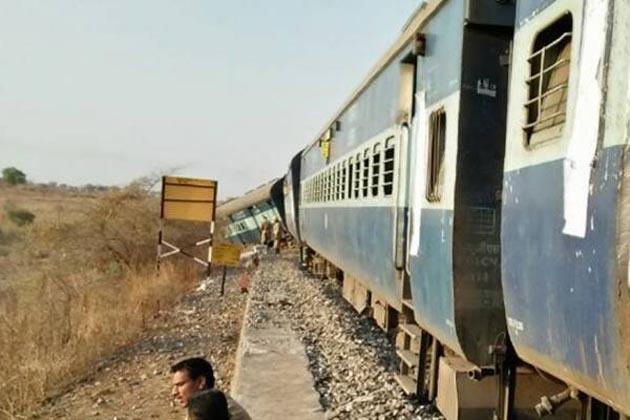 اورنگ آباد-حیدرآباد مسافرٹرین پٹری سے اتری،  ابھی تک 10 لوگوں کے زخمی ہونے کی اطلاع