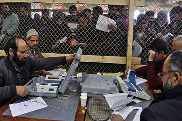 سرینگر ضمنی انتخابات: سخت سیکورٹی انتظامات کے درمیان ووٹوں کی گنتی جاری