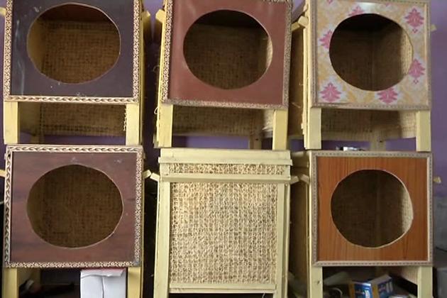 گرمی سے بچنے کے لیے سستے اور ہاتھ سے بنائے ہوئے ائیرکولر کی مانگ جہاں ایک طرف بڑھ رہی ہے وہیں لکڑی کا یہ ائیرکولرغریبوں کے لئے روزگار کا ایک اچھا ذریعہ بھی ثابت ہورہا ہے۔