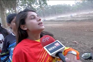 لیکن آج بھوپال کی مسلم  لڑکیاں لوگوں کی اس غلط فہمی کو دور کر رہی ہیں اور وہ بھی ریسنگ بائک چلا کر لڑکوں کو چیلنج پیش کر رہی ہیں۔