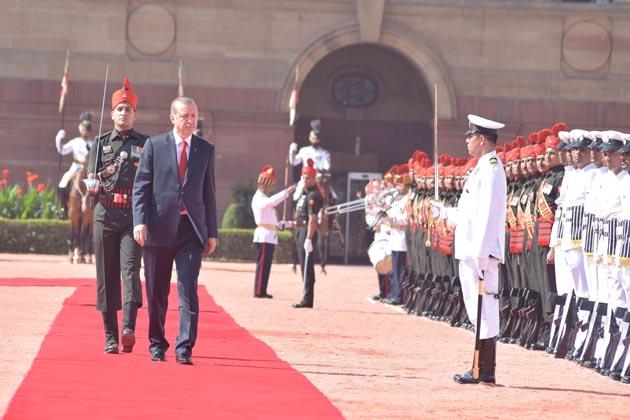 انہوں نے ہندوستانی کمپنیوں کو ترکی میں سرمایہ کاری کی دعوت دیتے ہوئے کہا کہ ترکی بحیرہ اسود کے علاوہ  مغربی ایشیا اور وسطی ایشیا کا دروازہ ثابت ہو سکتا ہے۔