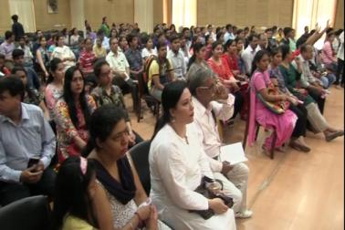 اردو زبان میں مستقبل ڈھونڈھنے والے طلبہ کے لیے دہلی یونیورسٹی میں داخلے کا سلسلہ شروع ہو چکا ہے۔ یہاں طلبہ كروڑی مل، سینٹ اسٹیفن، ذاکر حسین، ماتا سندری، لیڈی شری رام، ستیہ وتی کالج، دیال سنگھ کالج میں گریجویشن کی سطح پر اردو میں داخلہ لے سکتے ہیں ۔