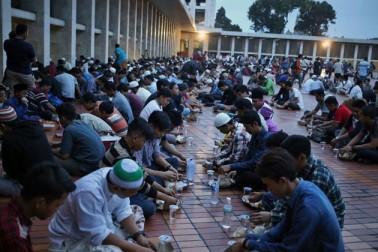 انڈونیشیا میں رمضان کا ایک منظر