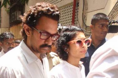 ریمال لاگو کے آخری دیدار کرنے کے لئے ان کے گھر بالی ووڈ کے بہت سے ستارے پہنچے۔ مہیش بھٹ، عامر خان اپنی بیوی کرن راؤ کے ساتھ ان کے گھر پہنچے۔