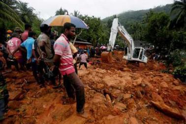 سری لنکا میں سیلاب اور چٹانیں کھسکنے سے کم سے کم 25 افراد ہلاک ، درجنوں لاپتہ