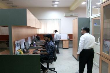 غوث محی الدین ایک کمپیوٹر سافٹ ویئر انجینئر ہیں ۔ 15 سالوں تک مختلف ملٹی نیشنل کمپنیوں میں اپنی خدمات انجام دینے کے بعد انہوں نے 2015 میں  اپنی سافٹ ویئر کمپنی خدرہ سافٹ قائم کی ۔