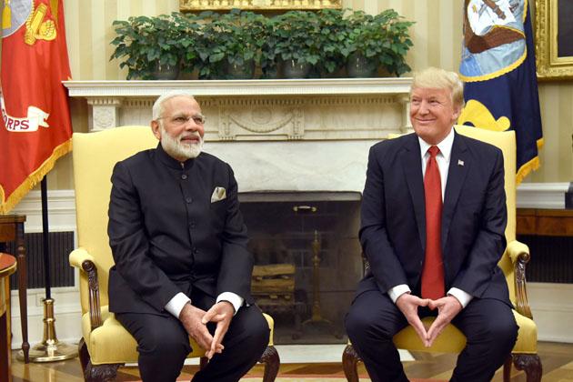 مسٹر ٹرمپ نے اپنے بیان میں کہا، ''ہندوستان اور امریکہ دونوں دہشت گردی سے بری طرح متاثر رہے ہیں اور ہم دہشت گردی کو جڑ سے مٹانے کا عہد کرتے ہیں۔''
