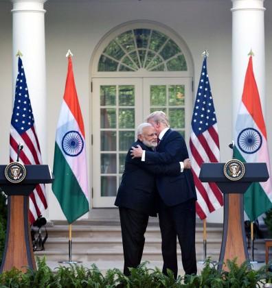 انہوں نے کہا کہ ہندوستان-بحر الکاہل علاقے میں امن،استحکام اور سکیورٹی ان کی سرکاری ترجیح ہے اور سکیورٹی چیلنجوں کے پیش نظر سکیورٹی کے شعبہ میں امریکی تعاون اہم ہے۔ انہوں نے افغانستان میں عدم استحکام پھیلانے کےلئے پاکستان کا نام لئے بغیر کہا کہ پڑوسی ملک افغانستان میں عدم استحکام ہندوستان کےلئے باعث تشویش ہے۔