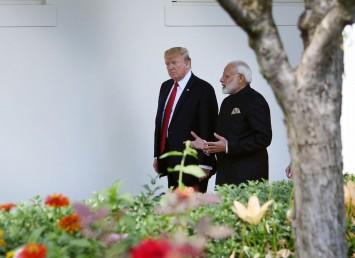 امریکی صدر نے کہا،''وزیراعظم مودی نے میری بیٹی اوانکا کو ہندوستان میں کاروباری وفد لے کر آنے کی دعوت دی ہے اورمیرا خیال ہے کہ اس نے(اوانکا) نے اسے منظور کرلیا ہے۔