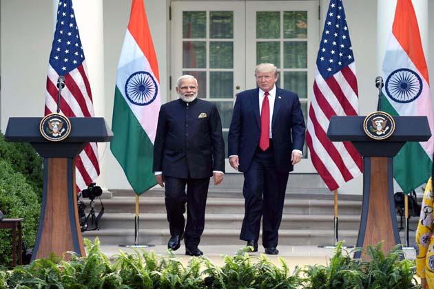 مسٹر ٹرمپ نے وزیراعظم اور ہندوستان کی کامیابیوں کی ستائش کرتے ہوئے کہا کہ وہ اور مسٹر مودی روزگار پیدا کرنے کی کوشش کریں گے۔ انہوں نے مزید کہا''مسٹر مودی اور میں دونوں ملکوں کی ضرورتوں کو سمجھتے ہیں۔