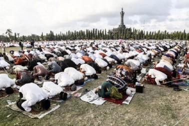 شمالی ضلع کاسرگوڈ کے علاوہ پورے کیرالہ میں پیر کو منائی جائےگی عیدالفطر