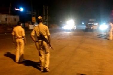مقامی لوگوں نے رام گڑھ تھانہ کا گھیراؤ بھی کیا ۔ دیر رات تک ماحول کشیدہ رہا ۔