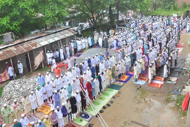 گوہاٹی میں عید الفطر کی نماز کا ایک منظر