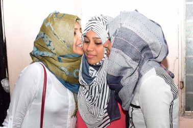 تھرواننت پورام میں لڑکیاں عید کے موقع پر