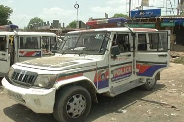 سرخیز پولیس اسٹیشن کے انسپکٹر آئی پٹیل نے کہا جن لوگوں نے حالات کو خراب کرنے کی کوشش کی ہے ، ان کے خلاف قانونی کارروائی کی جائے گی ۔