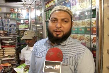 تاریخ اسلام میں کھجور کی بے انتہا خصوصیات بیان کی گئی ہیں۔ کھجور حضور صلعم کی پسندیدہ غذا میں شمار کی جاتی ہے۔