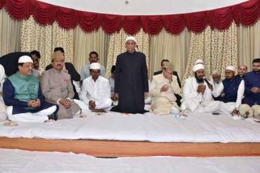 آندھراپردیش اور تلنگانہ کے گورنر نے افطار پارٹی کا اہتمام کیا ۔