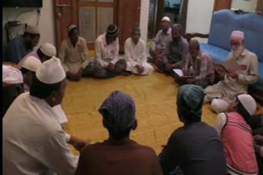 کرناٹک میں ایک ہندو کنبہ برسوں سے گنگا جمنی تہذیب اور فرقہ وارانہ ہم آہنگی کی انوکھی مثال پیش کرتا ہوا آرہا ہے ۔رائچورمیں یہ کنبہ مسلمانوں کے لئے برسوں سے افطار کا اہتمام کرتا چلا آرہا ہے ۔