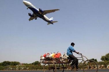 دراصل، محققین کی نئی ریسرچ کے مطابق ہوائی سفر ماحولیاتی تبدیلی کی وجہ سے مہنگا ہو سکتا ہے۔