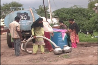 اورنگ آباد کی مسار واڑی بستی میں 15 سال سے لوگ خرید کر پی رہے پانی