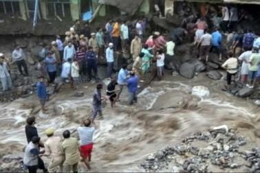 ڈوڈہ اور کشتواڑ میں بادل پھٹنے سے بڑے پیمانے پر تباہی، 8 افراد ہلاک