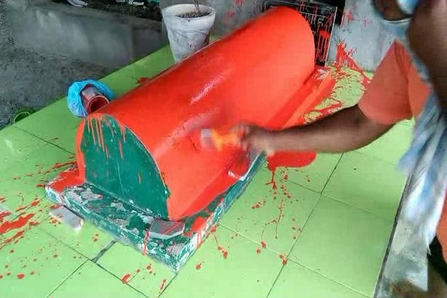ادھر پولیس انتظامیہ نے بھی مزار کو دوبارہ ہرا رنگ سے رنگوانے کی کاروائی کرتے شروع کردی ہے اور ہندو سوابھمان سنستھا کے عہدیداران کے خلاف معاملہ بھی درج کر لیا گیا ہے ۔
