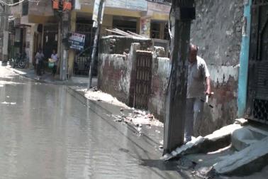 اوکھلا علاقہ میں عوام سیور، نالہ نالیوں کی پریشانی سے دوچار