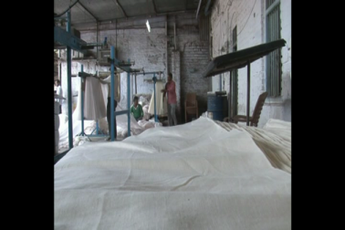 جی ایس ٹی کے نفاذ سے پاورلوم صنعت برباد، کروڑوں میٹر کپڑا گوداموں میں، کوئی خریدار نہیں