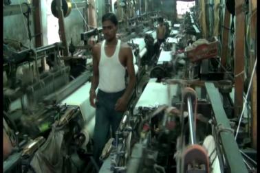 بھیونڈی میں پاورلوم صنعتیں تباہی کے دہانے پر، جی ایس ٹی کے آنے سے چھوٹے کارخانے متاثر