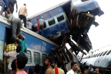 ریلوے اہلکاروں کی اس غلطی کی وجہ سے پٹری سے اتری اتکل ایکسپریس!۔