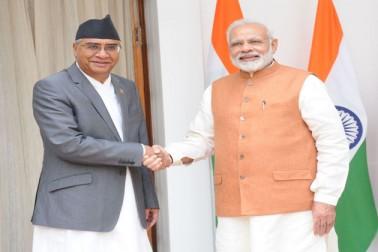 دونوں رہنماؤں نے اس موقع پر مشترکہ طور پر كٹيا-كسها اور ركسول-پرواني پور پاور ٹرانسمیشن لائنوں کا افتتاح کیا جن سے نیپال کو ایک سو میگاواٹ اضافی بجلی کی فراہمی کی جا سکے گی۔