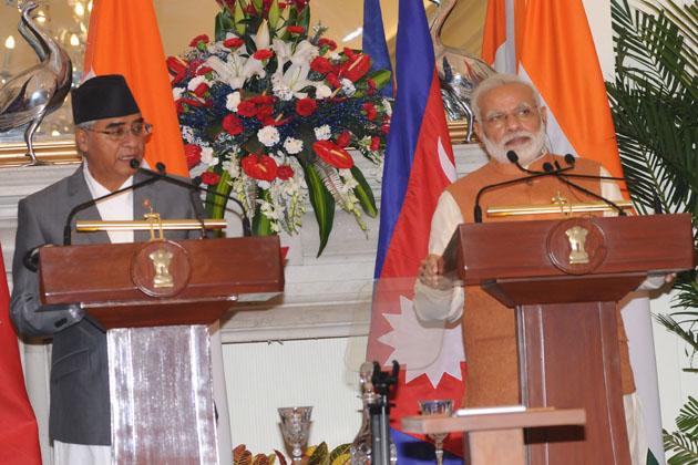 مسٹر مودی نے قریب دو گھنٹے تک جاری اس اجلاس کے بعد مشترکہ پریس کانفرنس میں مسٹر دیوبا کا نیپالی زبان میں خیر مقدم کرتے ہوئے کہا، ''بھارت کو چھيمیكي متر راشٹر نیپال کو پردھان منتری رائٹ آنریبل شیر بہادر دیوبا جی، دیگر نیپالی مہمانوں تپاہیرو کا بھارت ماں ہاردک سواگت گردا ملائی دھرے خوشی لاگد چھ''۔