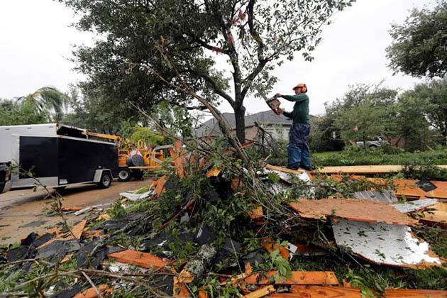 قومی محکمہ موسمیات کے مطابق آئندہ دنوں میں ٹکساس۔ لوئسیانا سرحد سے متصل علاقوں میں 15 انچ بارش ہونے کا اندازہ ہے۔ سی این این کے موسم کے مرکز کے مطابق گردابی طوفان ہاروی کے بدھ کے روز کو پھر سے ٹکساس۔لوئسیانا سرحد پر دستک دینے کا خدشہ ہے۔