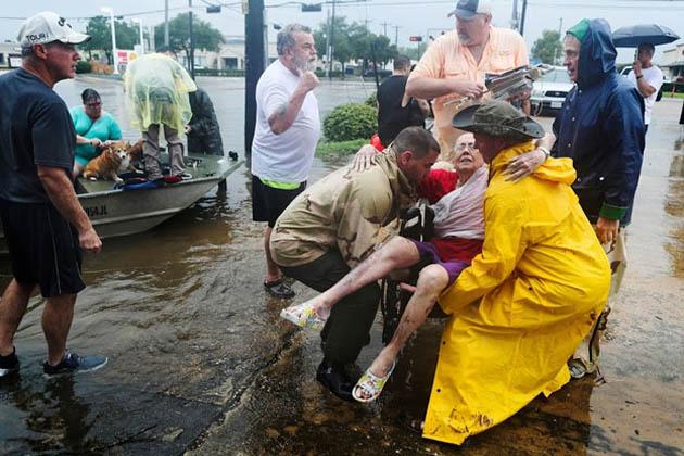فیلڈ کنٹرول سینٹر سے وابستہ ماہر موسمیات جیف لینڈر کا کہنا ہے کہ 'ہم نے پہلے کبھی ان حالات کا سامنا نہیں کیا ہے اس لیے ہم حالات پر قابو پانے کی کوشش کر رہے ہیں'۔