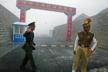 ہند - چین کے درمیان ڈوکلام میں طویل عرصہ تک تعطل رہ سکتا ہے برقرار ، فریقین اپنے اپنے موقف پر قائم