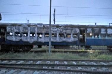 نئی دہلی میں ٹرین میں آگ لگادی گئی