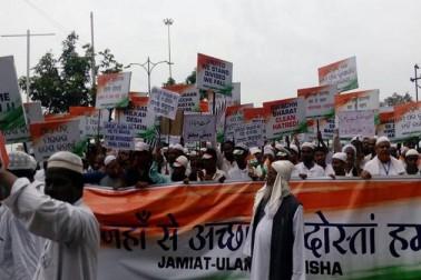 جمعیۃ علماء ہند مطالبہ کرتی ہے کہ فسطائیت اور تشدد پسندوں کے اس ننگے ناچ کو فورا روکا جائے اور امن وامان کو استحکام بخشا جائے کیوں کہ اس کے بغیر ملک ترقی کی طرف گامزن نہیں ہوسکتا ۔