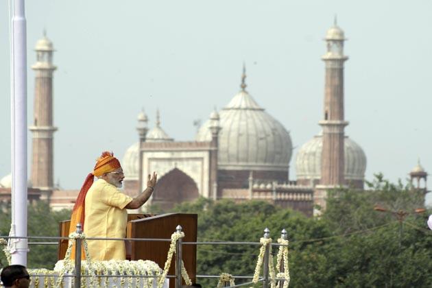 نیو انڈیا :وزیر اعظم نے ایک بار پھر کہا کہ سال 2022 تک ملک کو نیا ہندوستان بنانے کا عہد کرنے کی ضرورت ہے۔ آزادی کی 75 ویں سالگرہ پر ہمیں ایک نئی اونچائی پر پہنچنا ہے۔ نوجوان ہندوستان ایسا کرنے کے قابل ہے اور ہم ایسا کریں گے بھی، اس کے لئے عہدکرنے کی ضرورت ہے۔