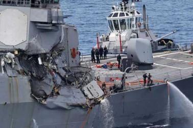 سنگا پور میں تیل کے ٹینکر سے امریکی جنگی بیڑہ کی ٹکر، 5 زخمی، 10 لاپتہ