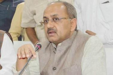 گورکھپور سانحہ :یوگی کے وزیر سدھارتھ ناتھ سنگھ اور آشو توش ٹنڈن کے خلاف پولیس میںتحریری شکایت