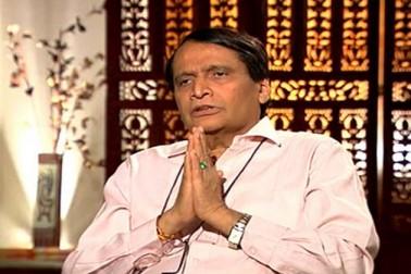 بڑھتے ریل حادثات: سریش پربھو نے کی استعفی کی پیشکش، وزیر اعظم نے کہا انتظار کریں