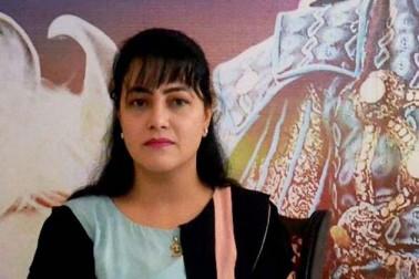 نیپال میں نظر آئی رام رحیم کی منھ بولی بیٹی ہنی پریت، سادہ لباس میں پہنچی ہریانہ پولیس