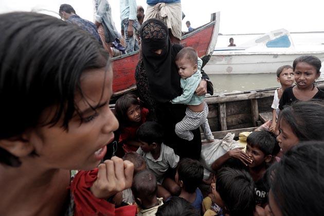 اقوام متحدہ کی رفیوجی ایجنسی کے یو این ایچ سی آر کی رپورٹ کے مطابق میانمار کی شمالی ریاست راکھین کے تشدد زدہ علاقے سے فرار ہوکر اب تک کل4,00,000رفیوجی بنگلہ دیش میں آچکے ہیں۔