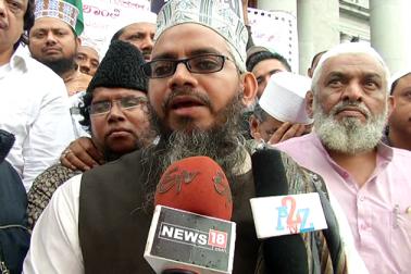 مسجد جامعہ حضرت بلال کے خطیب وامام قاری ذوالفقار رضا نوری نے کہا کہ  روہنگیا باشندوں کے بارے میں تھوڑا انسانی ہمدردی کے دائرے میں سوچا جائے ۔