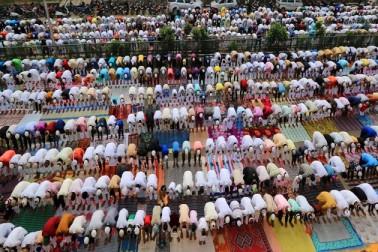 سرکاری ذرائع نے بتایا کہ بیشتر مقامات پر نماز عیدین کے اجتماعات پرامن طور پر اختتام کو پہنچے۔
