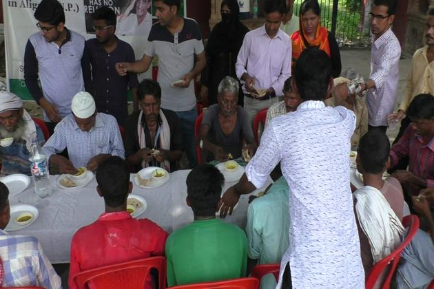 سنی ویلفیئر فاؤنڈیشن حیدرآباد کے ذریعہ شروع کی گئی مہم کو علی گڑھ میں مضبوط کرنے کی ذمہ داری سماجی کارکن سعدیہ عثمان اور رابعہ عثمان نے اُٹھائی ہے۔