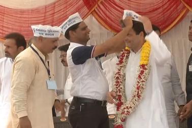 گجرات میں کانگریس کو ملا پاٹیداروں کا ساتھ، جگہ جگہ کر رہے راہل گاندھی کا استقبال