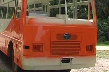 اترپردیش : حکومت کے ساتھ بسوں کے رنگ میں بھی تبدیلی ، اب بھگوا رنگ میں رنگی نظر آئیں گی بسیں