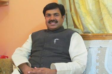 رجستھان :ایصال ثواب کیلئے دعوت کرنے پر وزیر ٹرانسپورٹ یونس خان قانون کی خلاف ورزی کے قصوروارقرر